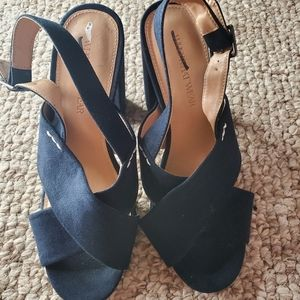 Navy blue size 6 1/5 women's heels